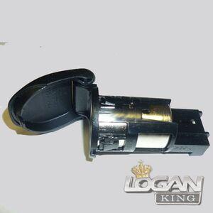 Розетка с крышкой (вставка вместо прикуривателя) Renault оригинал (Франция), аналог 8200046338, для Рено Логан / Сандеро